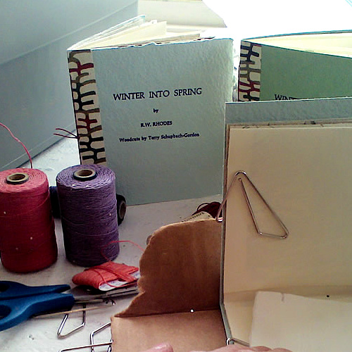 Class Image NEW! 4063. Introduction to Hand Printed Book - Workshop