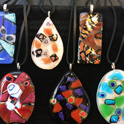 Class Image Taste of Art - Fused Glass Pins & Pendants