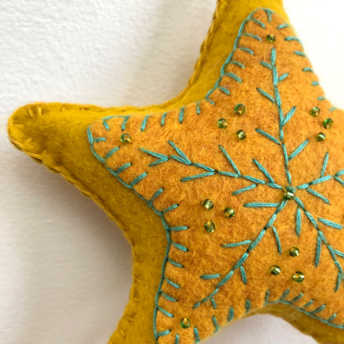 Class Image ONLINE:Taste of Art-Embroidered Felt Star