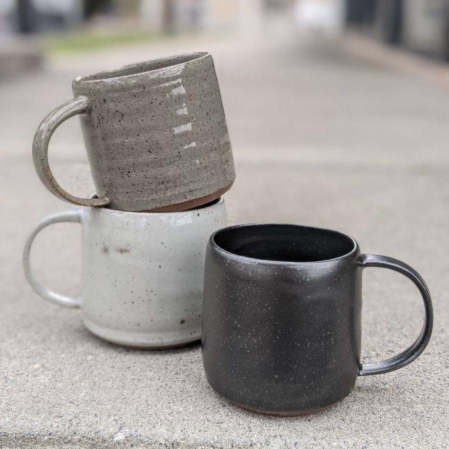 Class Image XL Making Mugs on the Pottery Wheel